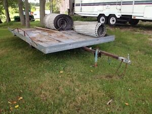 Extended snowmobile trailer