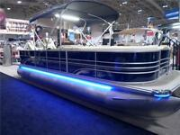 Sunchaser Eclipse 8523 Fish DLX Tritoon - Loaded! / 200 hp