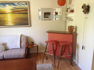 Well Maintained Upper Duplex on Family Friendly West End Street
