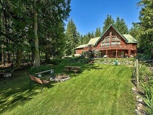 Shuswap Summer Rental- Steps to the Lake!