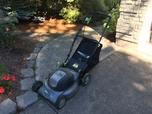 EarthWise Electric Lawnmower with Grass Bag