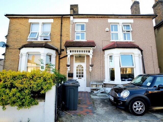 Great Value for Money - Refurbished 2 Bedroom House offered Unfurnished Close to Station & Amenities