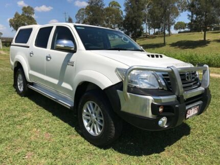 2013 Toyota Hilux KUN26R MY14 SR5 Double Cab Glacier White 5 Speed Manual Utility Oakey Toowoomba Surrounds Preview