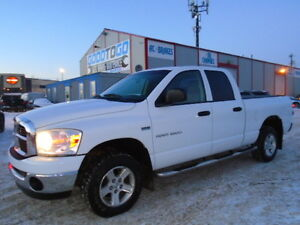 2007 Dodge Power Ram 1500 SLT CREWCAB 4X4-ONE OWNER --ONLY 129K