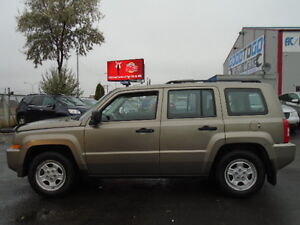 2008 JEEP PATRIOT SPORT-LEATHER--ONE OWNER---106,000KM Edmonton Edmonton Area image 4