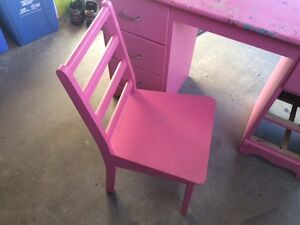 Kids craft desk