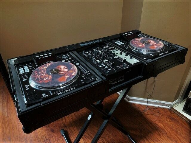 2 X Denon SC-3900 CDJ Media Player and Controllers; great condition