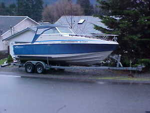 inboard/outboard 22 1/2 feet