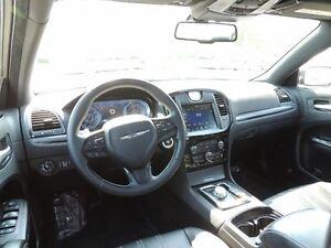 2015 Chrysler 300 S Windsor Region Ontario image 7