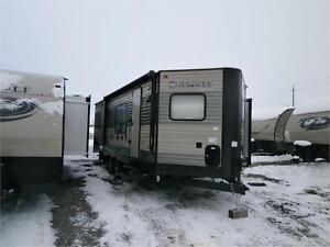 2017 FOREST RIVER CHEROKEE LTD 234 VFK!! FRONT KITCHEN! $25995!