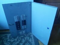 Panneau electrique commander 120/240v 125amp 140$ obo
