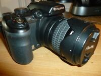 Fujifilm finepix S9500 digital camera in good condition 9 mp with 7.5 times optical zoom lens