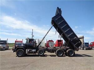 1998 MACK RB TRI-AXLE DUMP, 19'FT STEEL EXCAVATOR BOX Kitchener / Waterloo Kitchener Area image 3