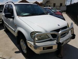 2000 Mercedes-Benz ML 320 (4x4) White 5 Speed Auto Tipshift Wagon Georgetown Newcastle Area Preview