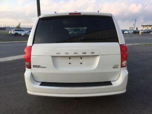2014 Dodge Grand Caravan SXT SXT