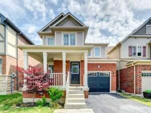 Spotless, Modern & Move-In Ready Detached 2-Storey ****