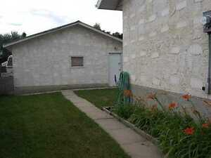 Double Garage!! 3 Bedroom Main Bungalow!! Edmonton Edmonton Area image 12