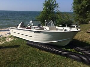 16 foot Starcraft Aluminum bowrider boat with 70hp & 8hp troller