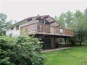 ACREAGE 15 MINUTES FROM PEACE RIVER