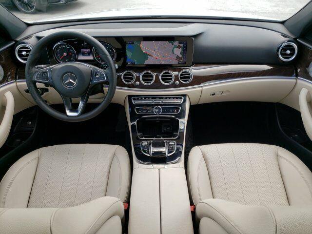 Image 14 Voiture Européenne d'occasion Mercedes-Benz E-Class 2017