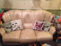LEATHER 3 SEATER SETTEE FREE