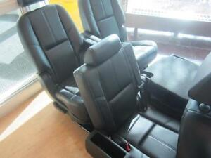 TAHOE FRONT/MID/REAR LEATHER SEATS 07-14 Peterborough Peterborough Area image 4
