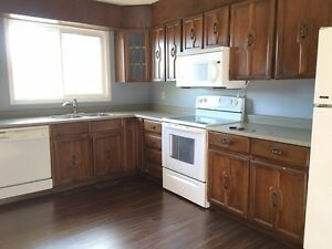 2 suites/5 bedroom house in Millwood with double garage