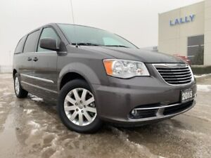 2015 Chrysler Town & Country Touring with navigation