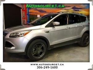2014 Ford Escape Titanium 4WD | TOP LINE | PANO ROOF | LOW KM