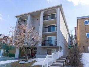 CLOSE TO DOWNTOWN   LOW CONDO FEES