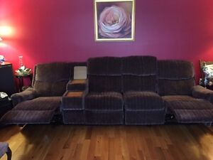 RECLINING SOFA IN EXCELLENT COND- 3 RECLINERS-SEAT 4 PEOPLE