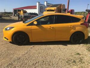 2013 Ford Focus ST- nav, leather, sunroof, bluetooth 73K!