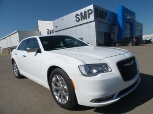 2016 Chrysler 300 C Platinum - AWD, Leather, Nav, Sunroof, Rem S
