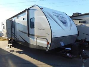 2017 FREEDOM EXP 320 BHDS - KIDS PRIVATE BEDROOM!!