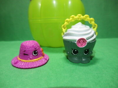 Shopkins HALLOWEEN Pumpkin 2017 Spooky Glow Chloe Cupcake Bag & Sonia Sun Hat - Hello Kitty Halloween Cupcakes