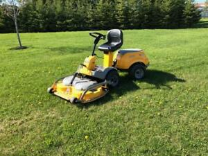 Almost new lawn tractor