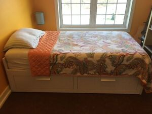 Single Ikea pull out day bed with 2 drawers