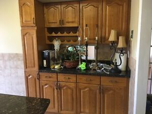 Oak cabinets and Granite counters