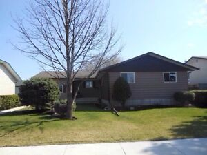 DESIRABLE RIVER WEST PARK IN CHARLESWOOD