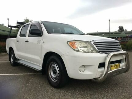 2005 Toyota Hilux GGN15R MY05 SR 4x2 White 5 Speed Automatic Utility Mount Druitt Blacktown Area Preview