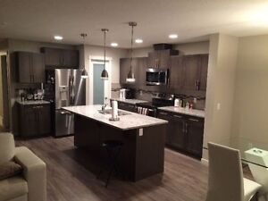 Room for rent with private bathroom (House in Spruce Grove)