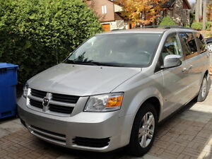2010 Dodge Grand Caravan STOW N GO, Mags, Etc..