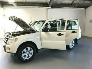 2007 Mitsubishi Pajero NS GLX White 5 Speed Manual Wagon Frankston Frankston Area Preview