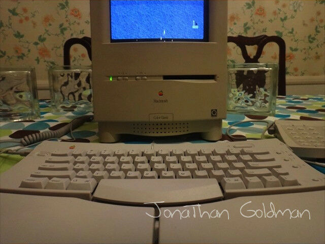 Apple Macintosh Color Classic MYSTIC 132MB RAM 146GB HD Mac OS 8.1 68040 Vintage