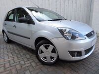 Ford Fiesta 1.25 Zetec ....Perfect First Car, Fabulous Service History, 1 Owner From New