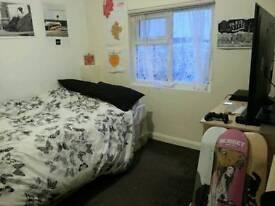 Double bedroom in fishponds