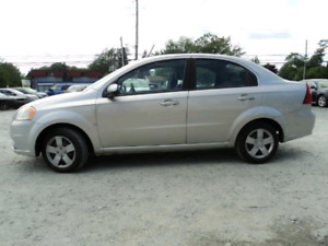 REDUCED! PONTIAC WAVE. LOADED MODEL.  NEW TIRES