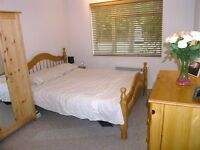 AVAILABLE 2 Bed Flat in West Barnes Lane, Raynes Park, London, KT3!!!
