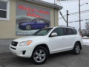 2011 Toyota RAV4 4WD, SUNROOF, ALLOY WHEELS, ACCIDENT FREE!