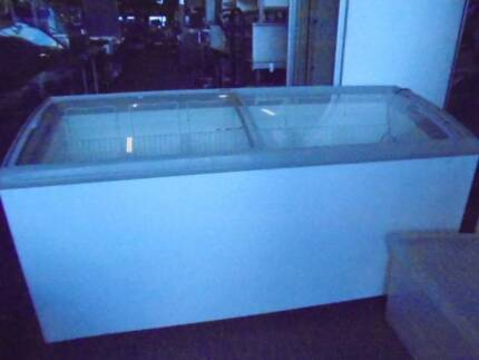 COMMERCIAL DISPLAY FREEZER WITH SLIDING DOORS $995